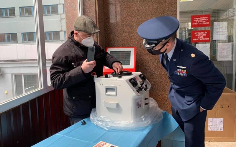 """Foto Reacția inginerului și a directorului de la Spitalul Clinic Bălți, unde un aparat folosit a fost donat ca nou-nouț: """"Poate noi am fi închis ochii la așa ceva, dar Ambasada, nu"""" 4 17.10.2021"""
