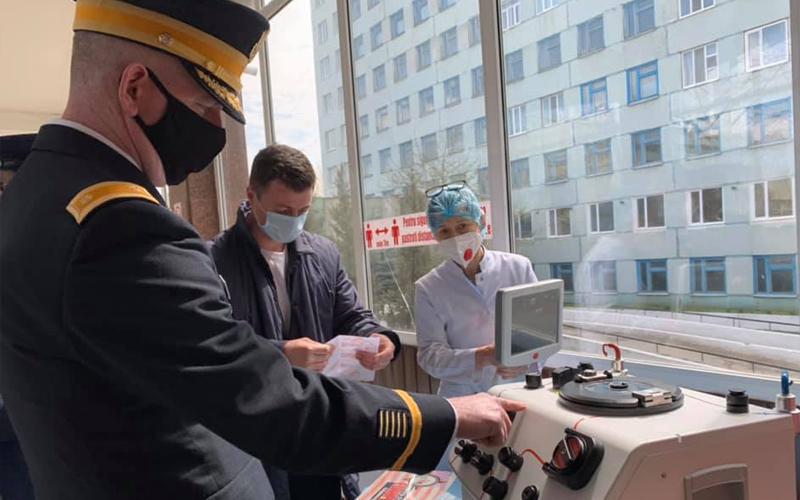 """Foto Reacția inginerului și a directorului de la Spitalul Clinic Bălți, unde un aparat folosit a fost donat ca nou-nouț: """"Poate noi am fi închis ochii la așa ceva, dar Ambasada, nu"""" 3 17.10.2021"""