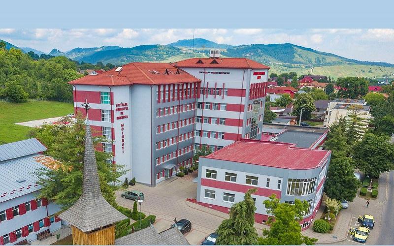 FOTO// Spitalul din Moldova de peste Prut care se dezvoltă când altele stau în ruină. Medicii de aici ridică salarii și de peste 1.500 de Euro